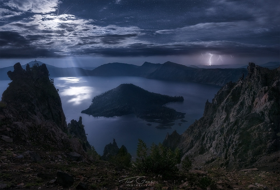 Lightning. natural energy in the lens of professional photographers 08