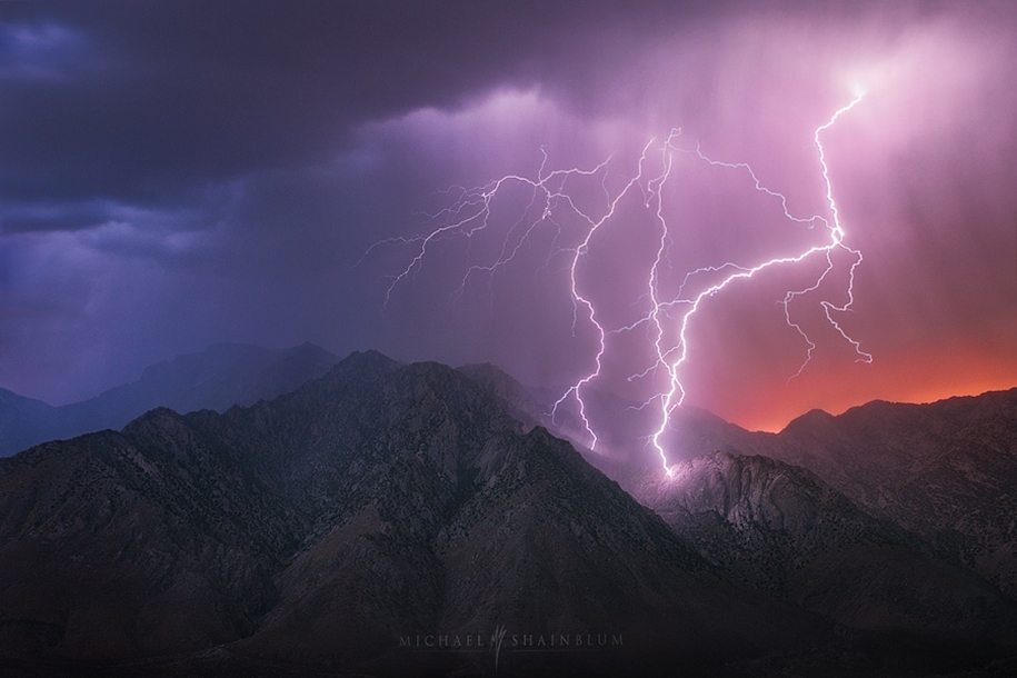 Lightning. natural energy in the lens of professional photographers 12