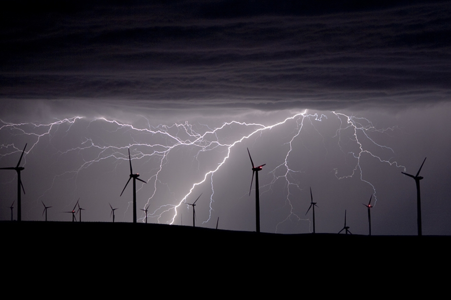 Lightning. natural energy in the lens of professional photographers 19