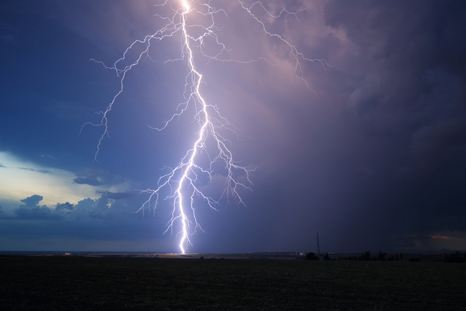 Lightning. natural energy in the lens of professional photographers 20