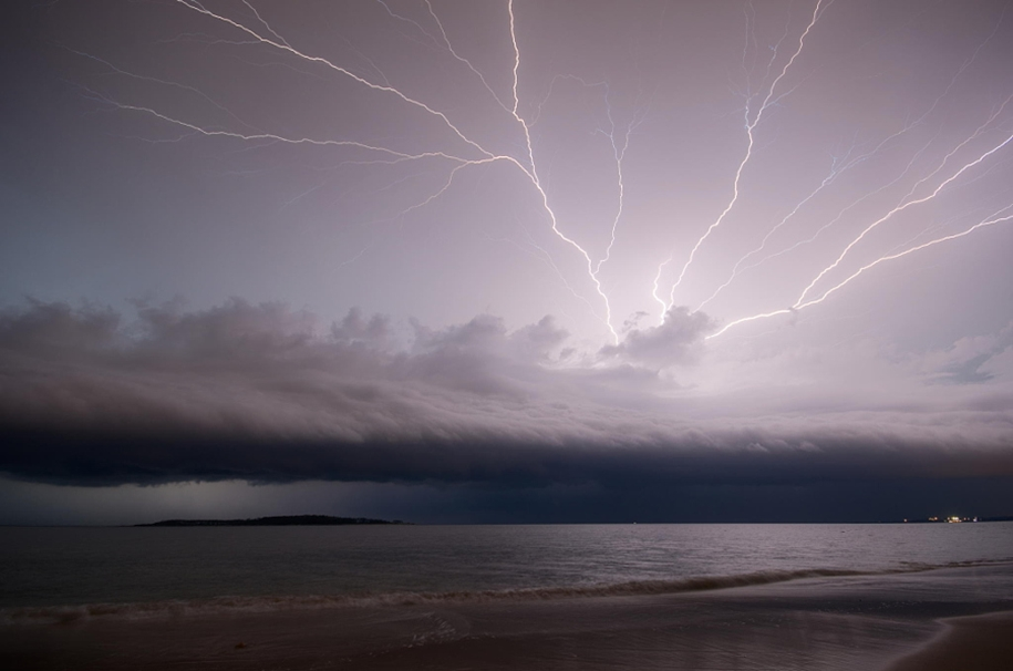 Lightning. natural energy in the lens of professional photographers 23