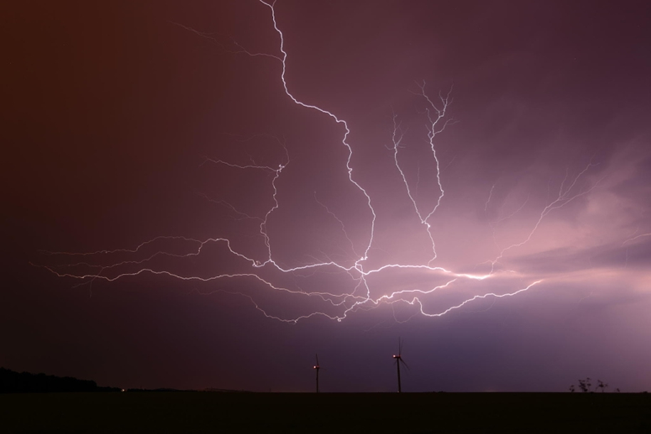 Lightning. natural energy in the lens of professional photographers 26