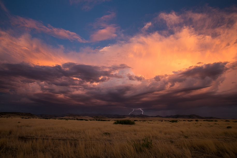 Lightning. natural energy in the lens of professional photographers 30