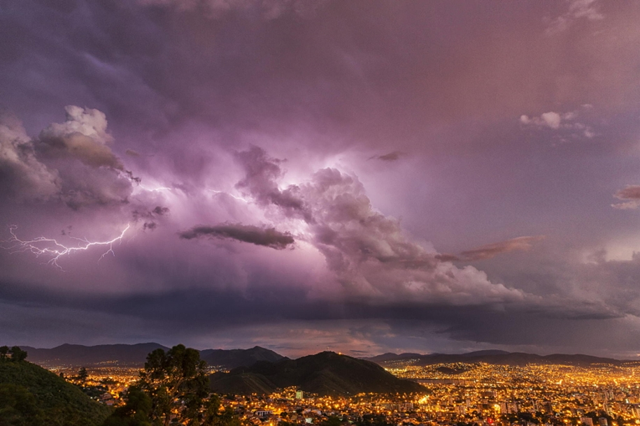 Lightning. natural energy in the lens of professional photographers 33