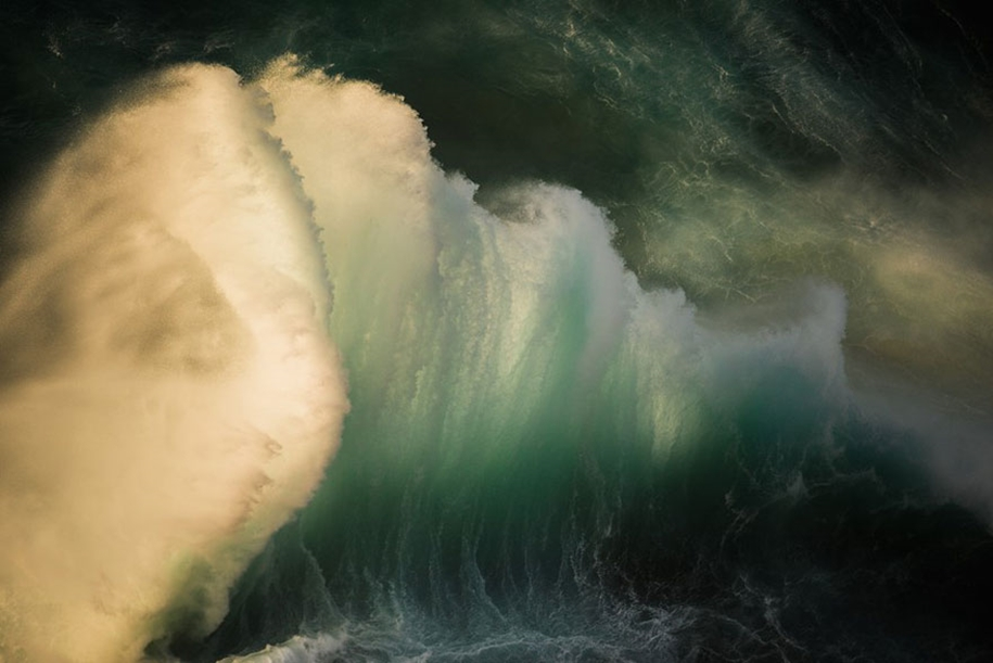 The awesome power of the huge waves in photos Luke Shadbolt 04