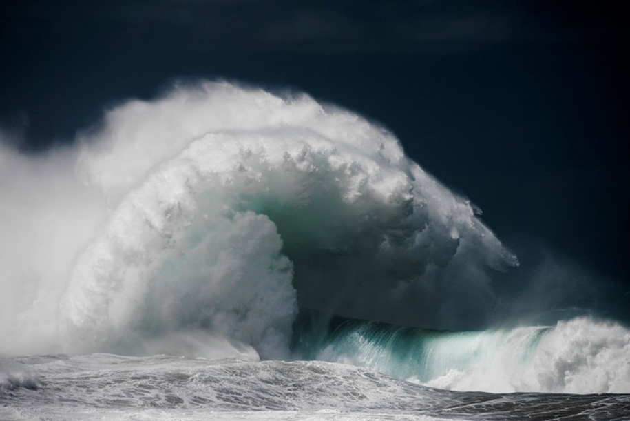 The awesome power of the huge waves in photos Luke Shadbolt 05