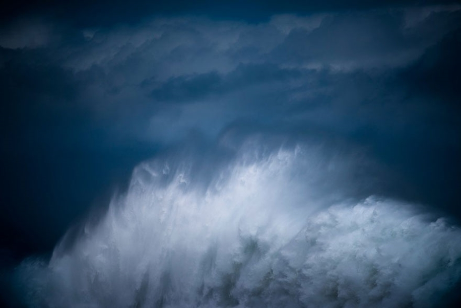 The awesome power of the huge waves in photos Luke Shadbolt 07