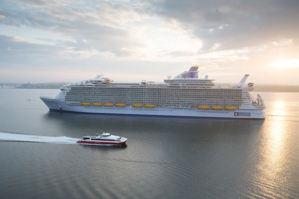 The world's largest cruise ship ready for your first journey 02