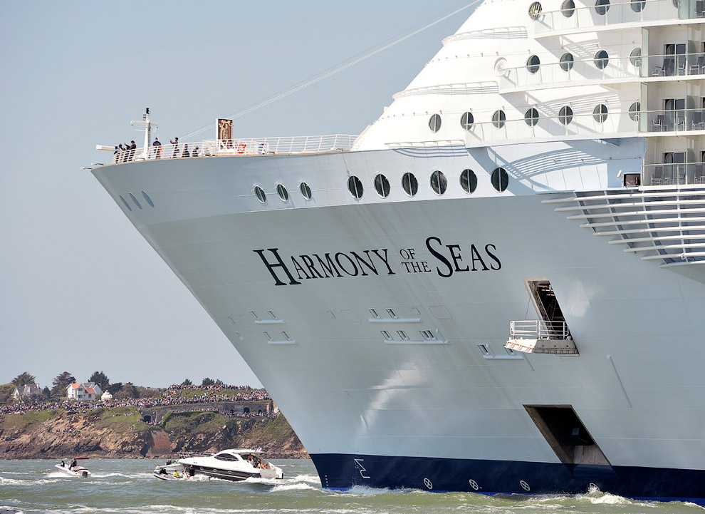 The world's largest cruise ship ready for your first journey 16