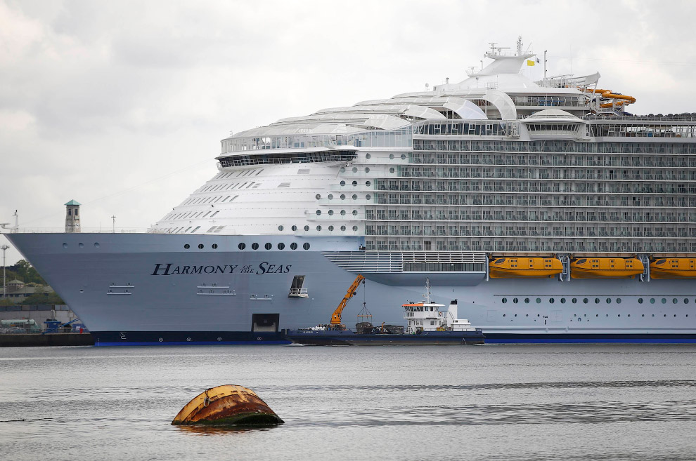The world's largest cruise ship ready for your first journey 21