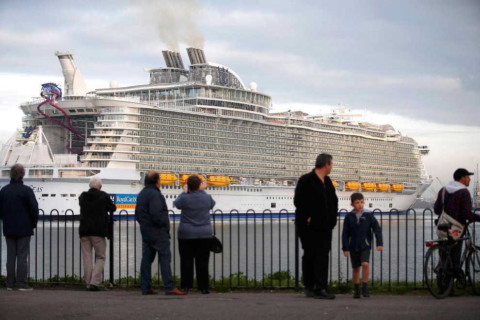 The world's largest cruise ship ready for your first journey 22