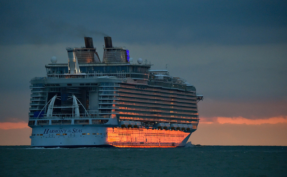 The world's largest cruise ship ready for your first journey 25