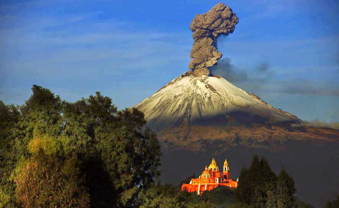 A dangerous volcano that can awaken at any time 01