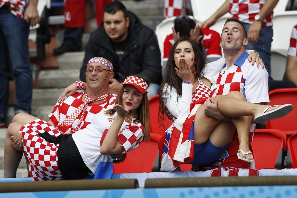 Bright fans of Euro 2016_02