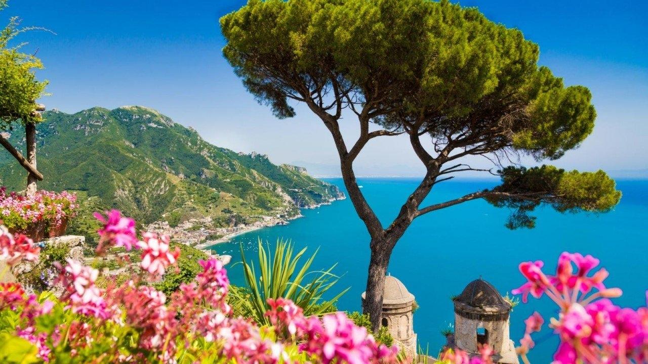 Colorful Amalfi coast 14