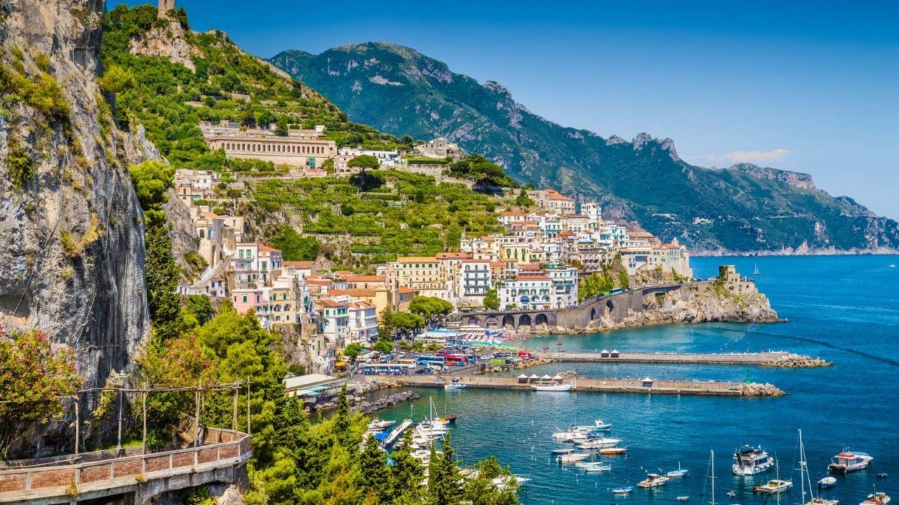Colorful Amalfi coast 15
