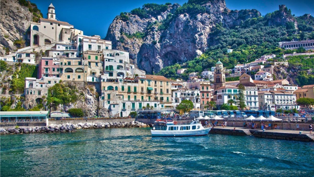 Colorful Amalfi coast 33