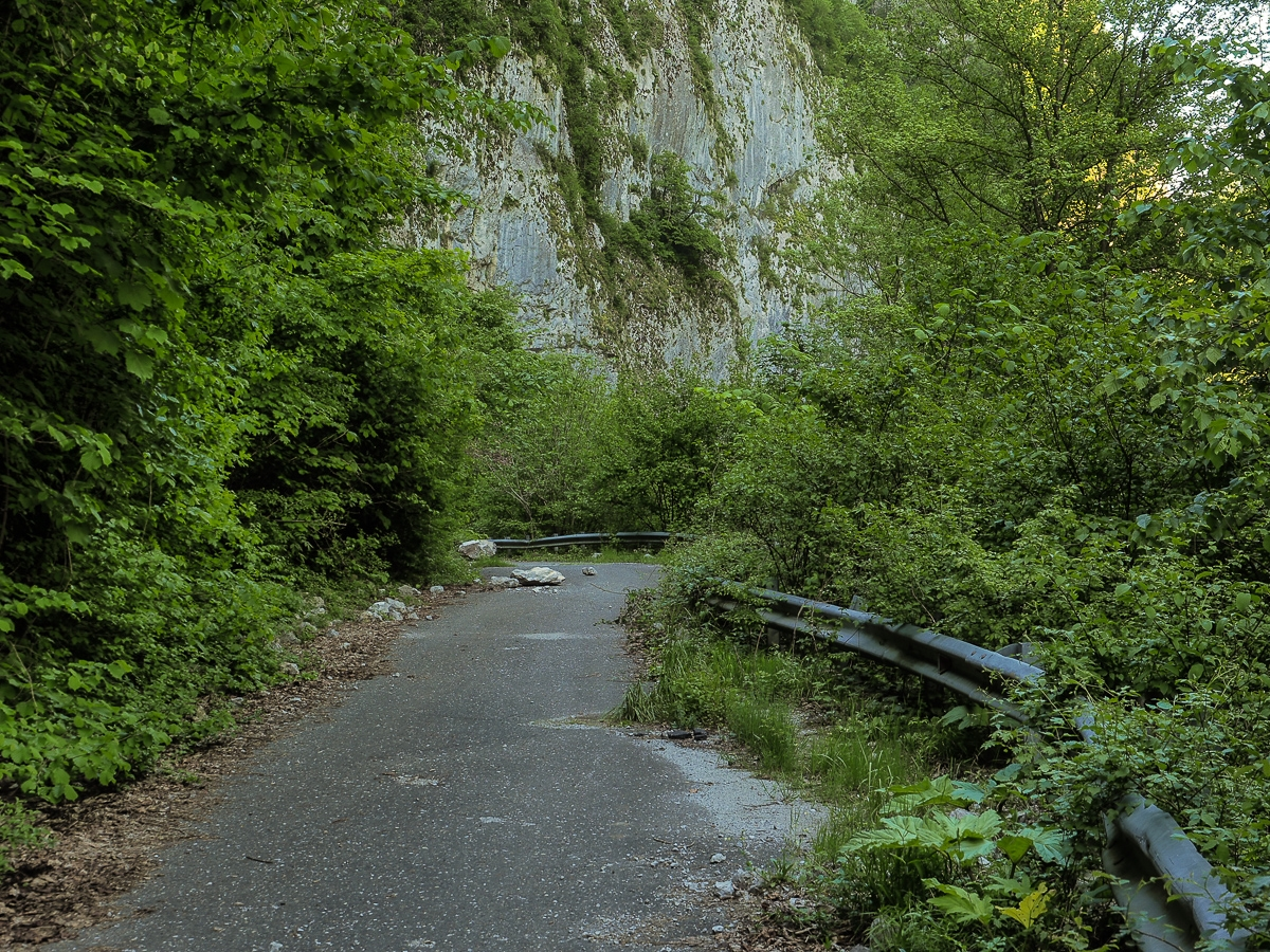 Deadly and terribly beautiful abandoned road to Sochi 02