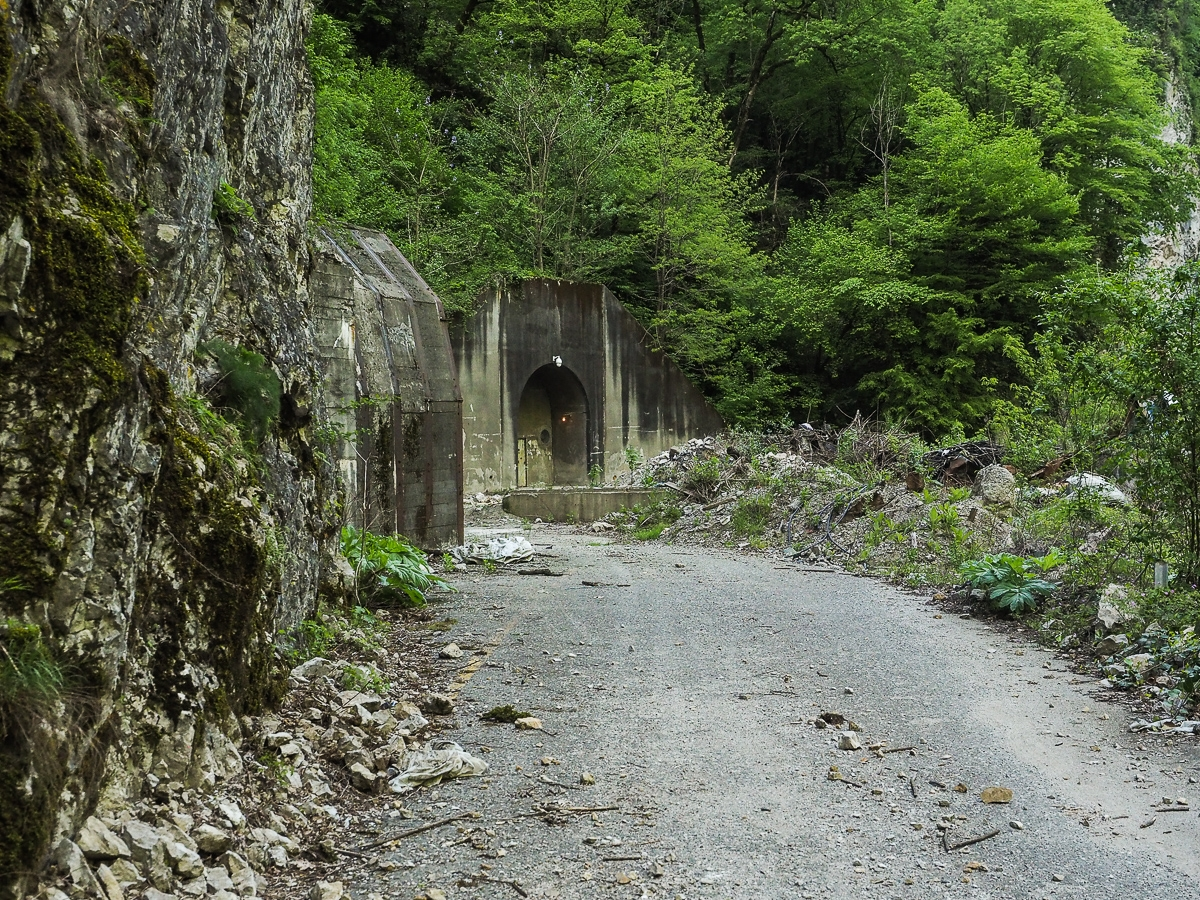 Deadly and terribly beautiful abandoned road to Sochi 09