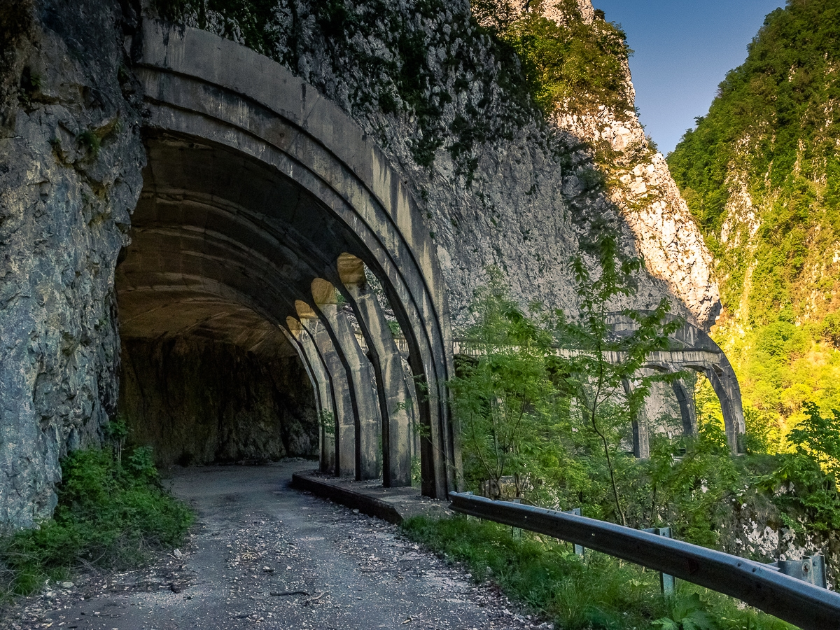 Deadly and terribly beautiful abandoned road to Sochi 20