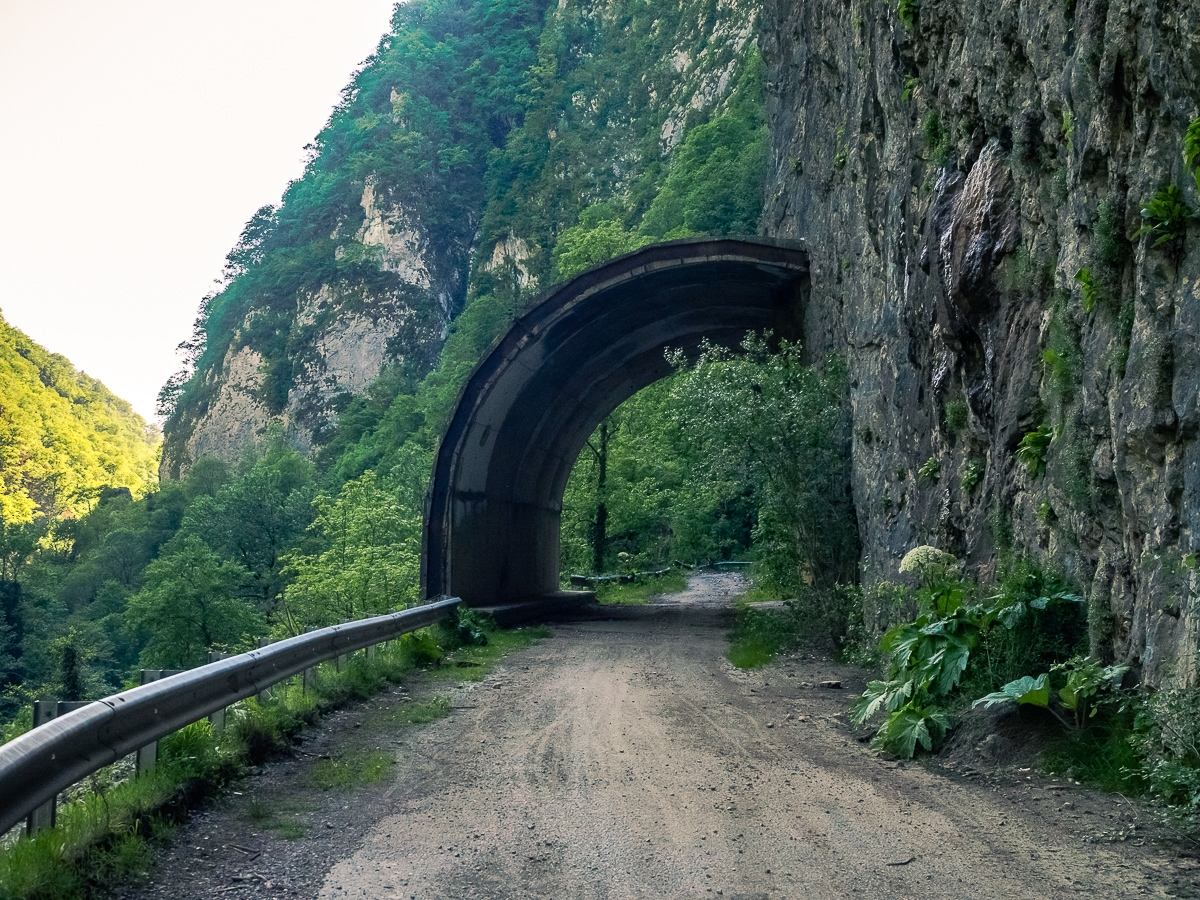 Deadly and terribly beautiful abandoned road to Sochi 29