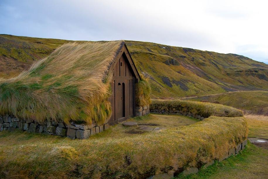 Fabulous beauty Scandinavian homes with green roofs 02