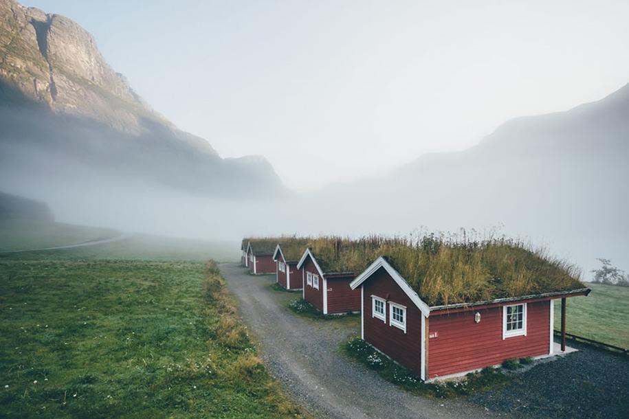 Fabulous beauty Scandinavian homes with green roofs 17