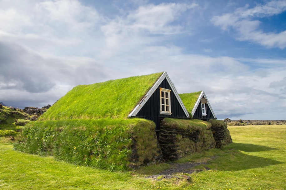 Fabulous beauty Scandinavian homes with green roofs 19