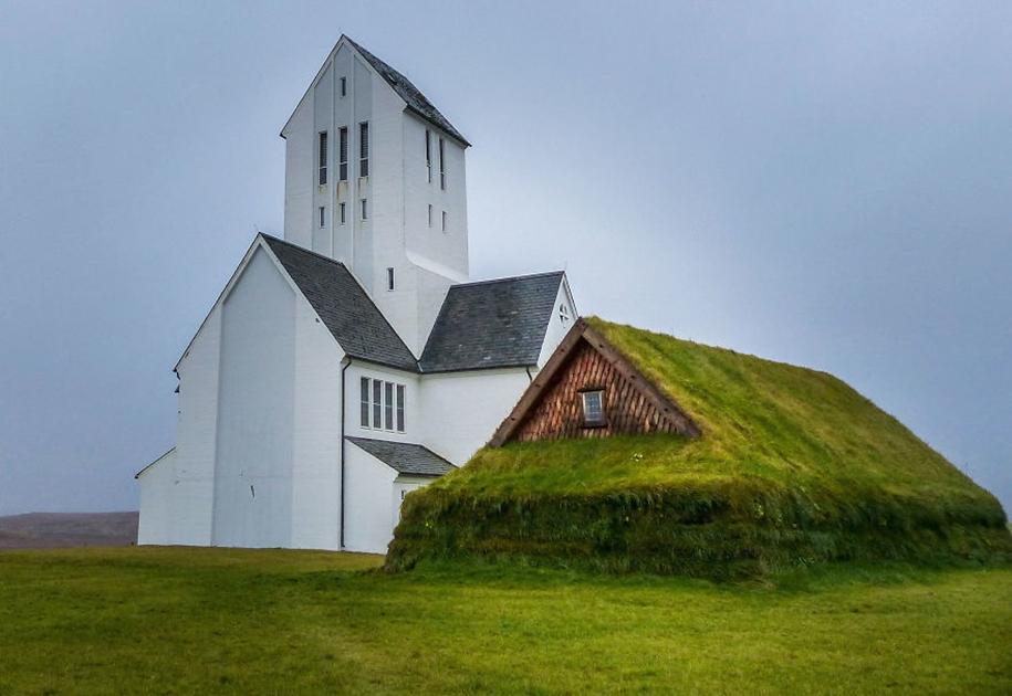 Fabulous beauty Scandinavian homes with green roofs 22