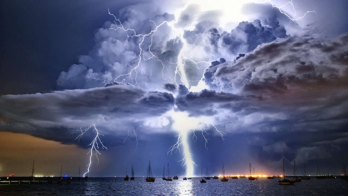 Natural phenomenon in Venezuela. the Lightning of Catatumbo 02