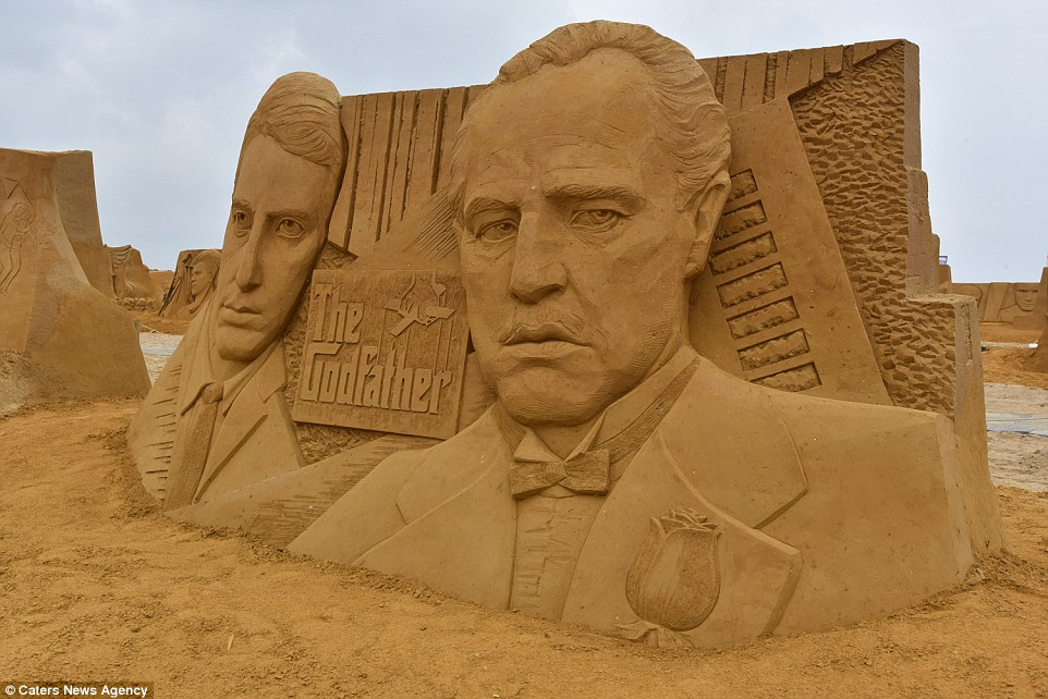 Sand sculptures of the stars of show business at the festival -Sand Sculpture Festival- in Ostend 07