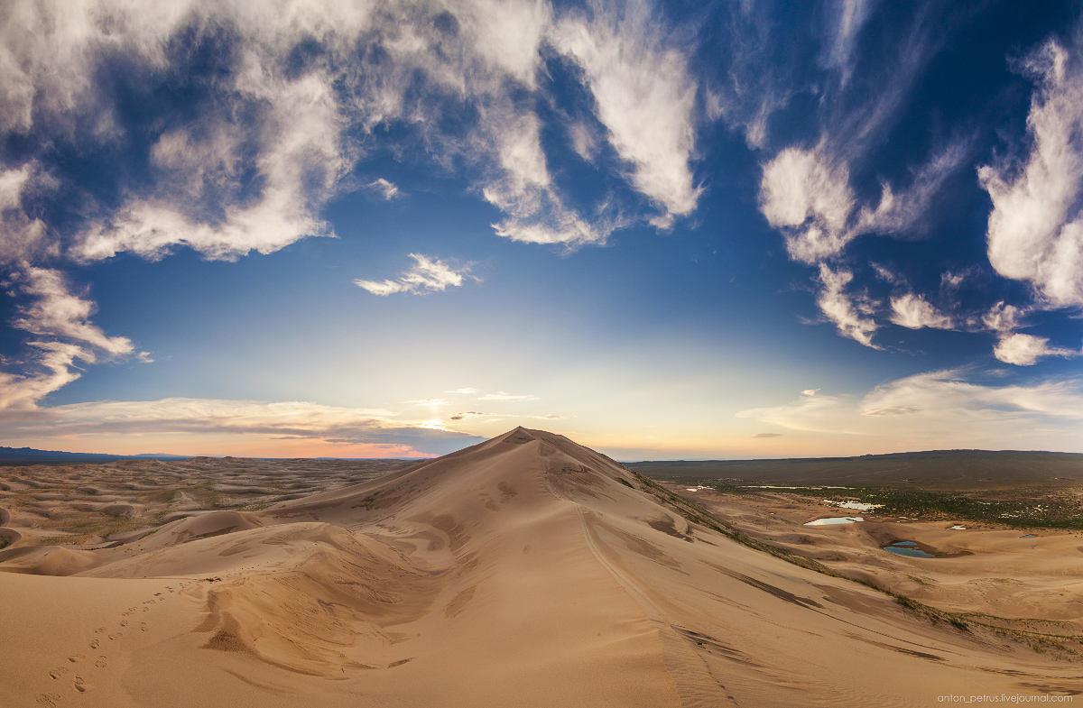 Singing Sands of the Gobi desert 14