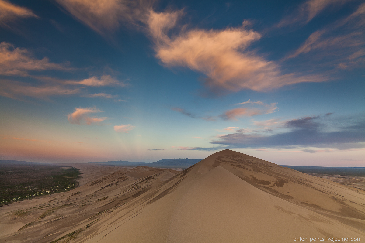 Singing Sands of the Gobi desert 15