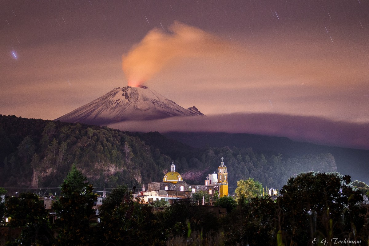 Stunning pictures of volcanoes Eric Gomez Tokimune 01