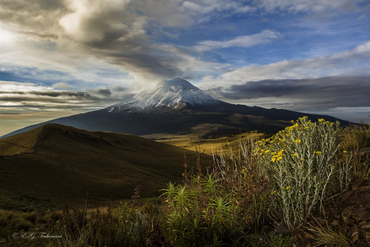 Stunning pictures of volcanoes Eric Gomez Tokimune 09