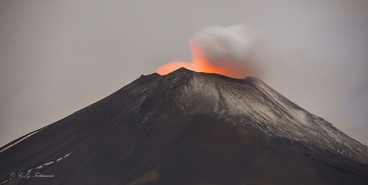 Stunning pictures of volcanoes Eric Gomez Tokimune 10