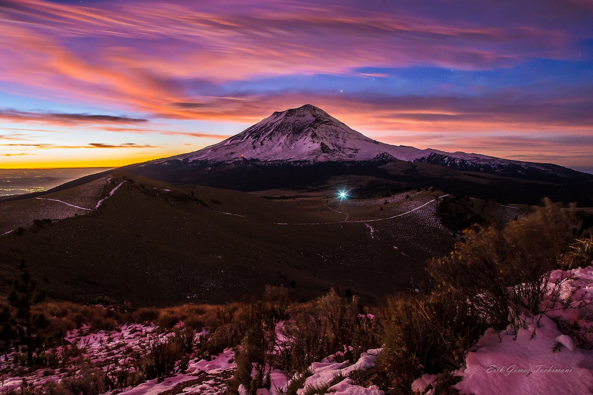 Stunning pictures of volcanoes Eric Gomez Tokimune 21