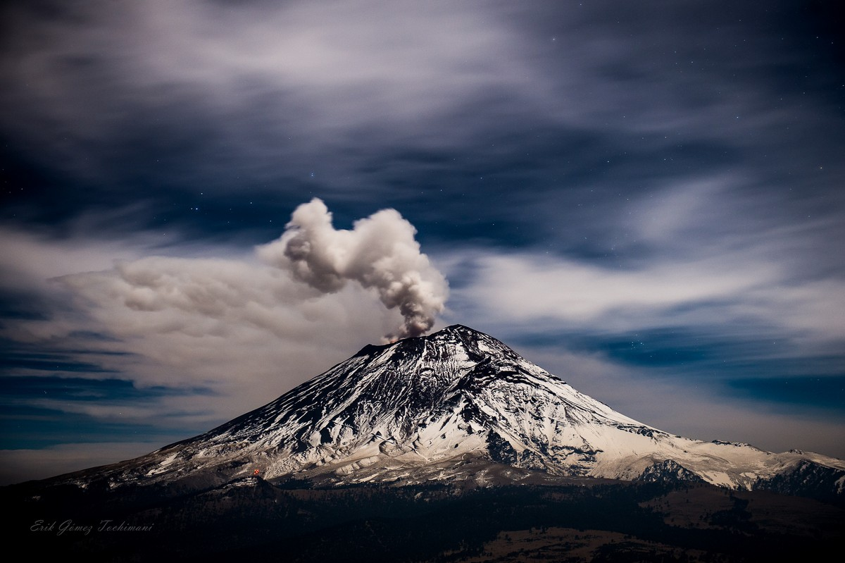 Stunning pictures of volcanoes Eric Gomez Tokimune 23