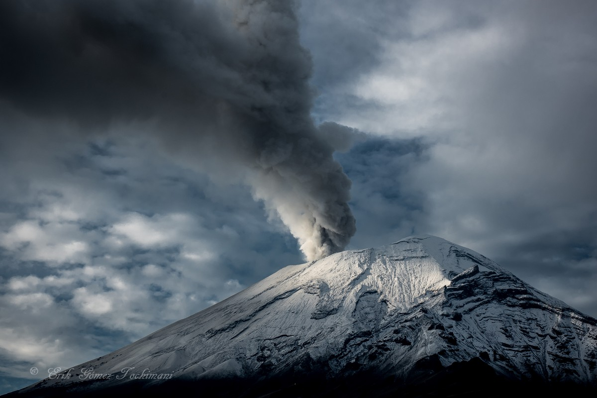 Stunning pictures of volcanoes Eric Gomez Tokimune 25