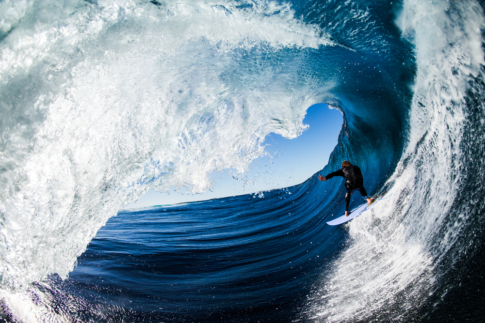 Surfer-photographer Leroy Bellet and his impressive shots 07