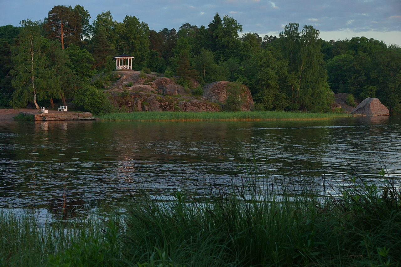 The city of Vyborg and the mon repos Park 16