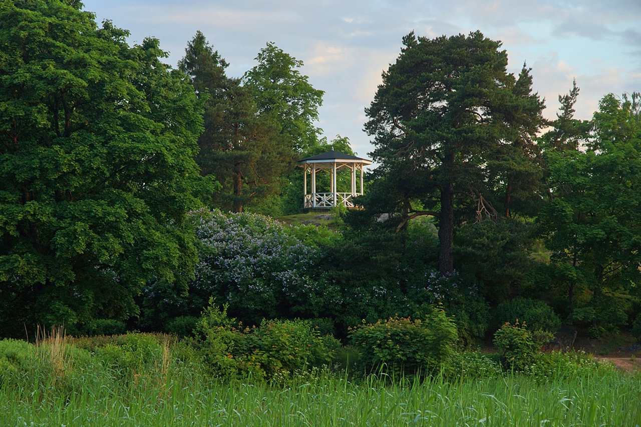 The city of Vyborg and the mon repos Park 25