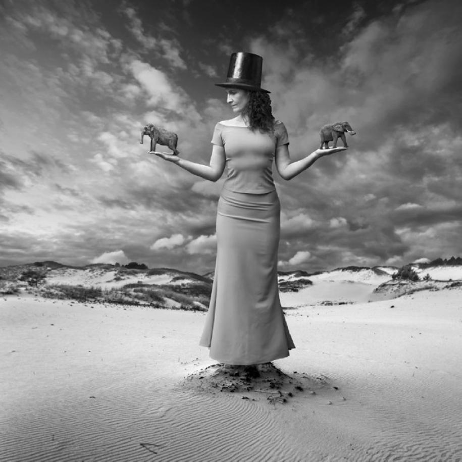 The surrealist work of photographer Dariusz Klimczak 03