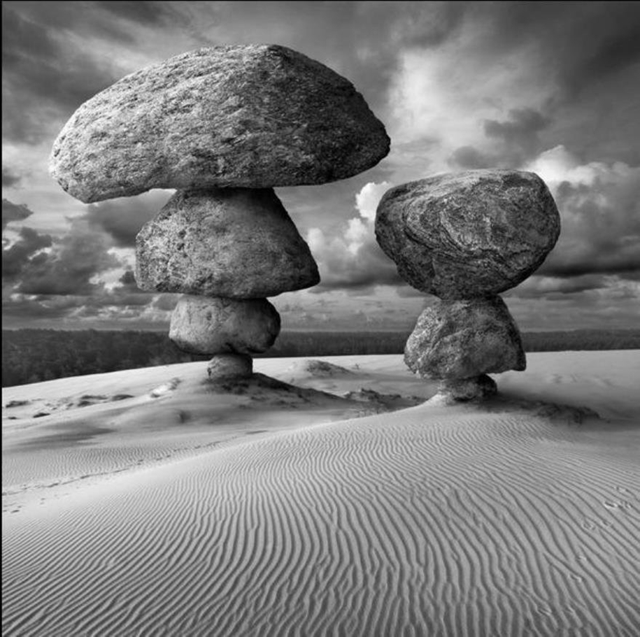 The surrealist work of photographer Dariusz Klimczak 07