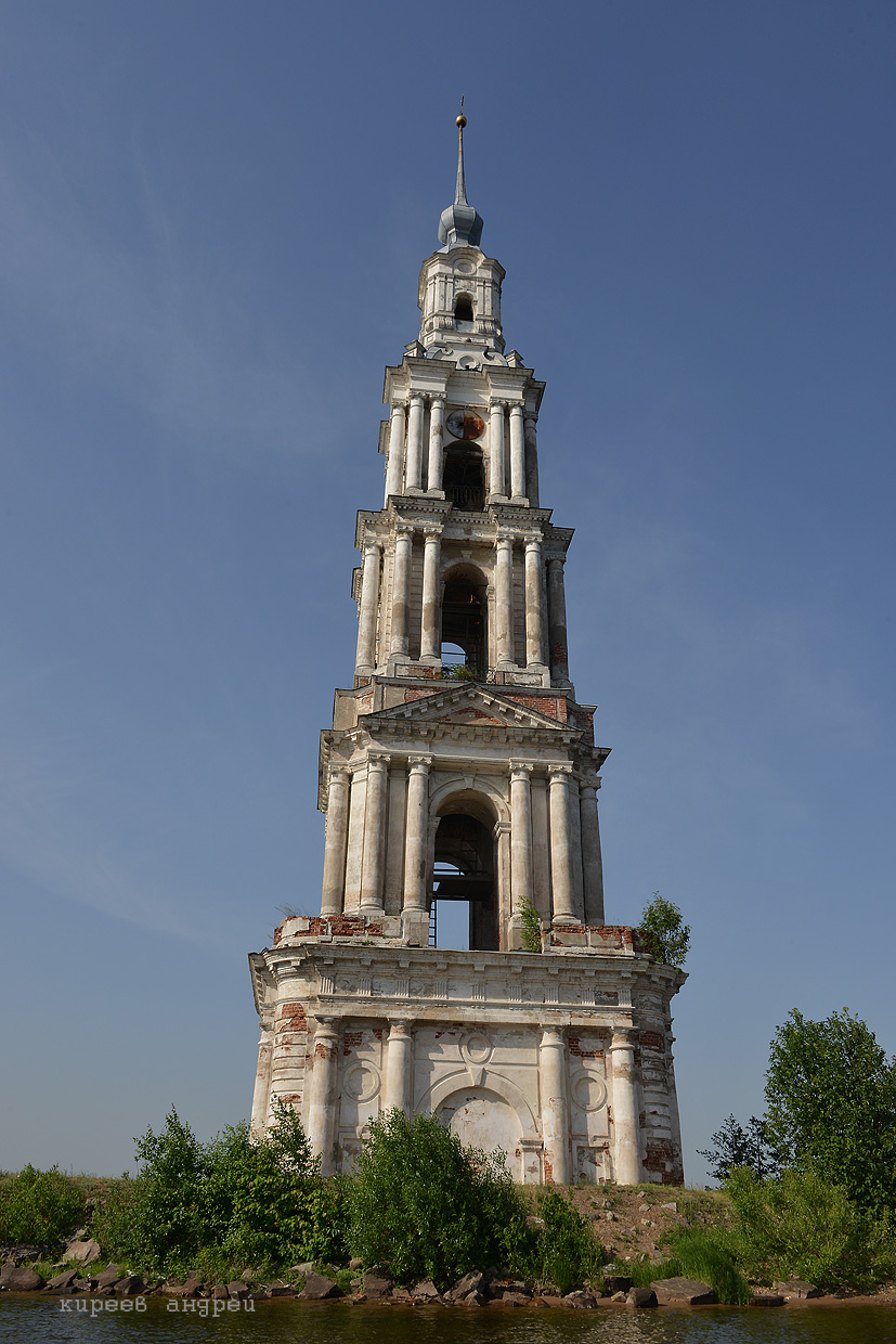 The flooded belfry is a symbol of the city Kalyazin 05