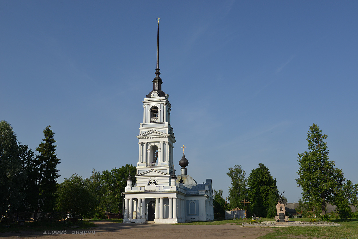 The flooded belfry is a symbol of the city Kalyazin 07