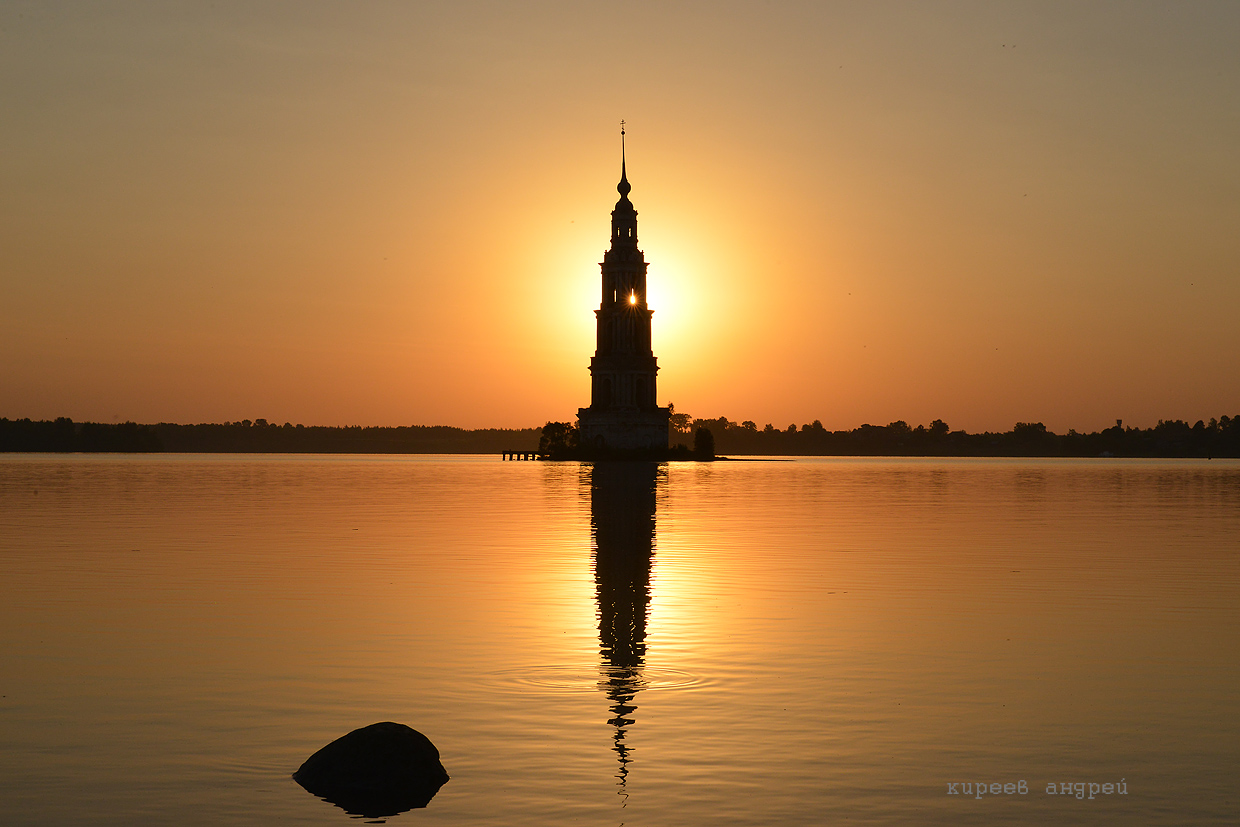 The flooded belfry is a symbol of the city Kalyazin 18