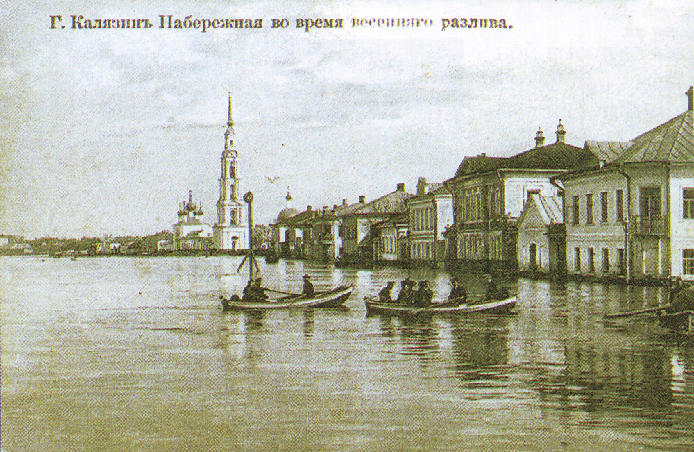 The flooded belfry is a symbol of the city Kalyazin 23