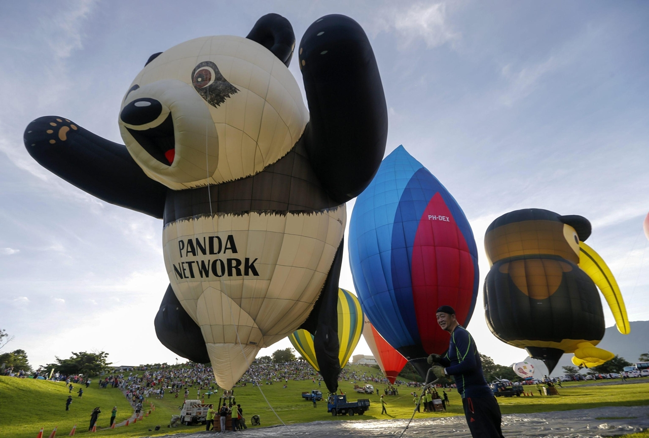 2016-international-hot-air-balloon-festival-in-taiwan-00