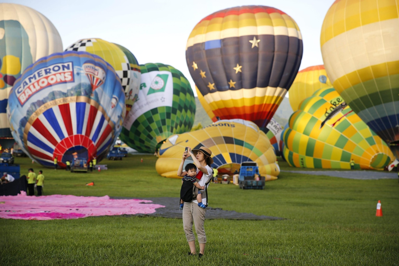 2016-international-hot-air-balloon-festival-in-taiwan-01